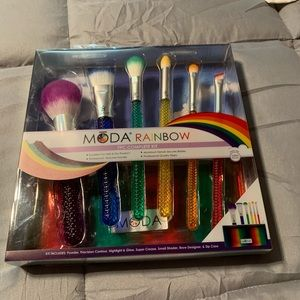 Moss Rainbow Makeup Brushes